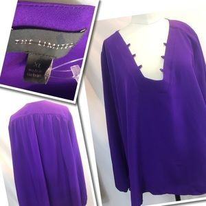 A Must Have The limited Blouse XL